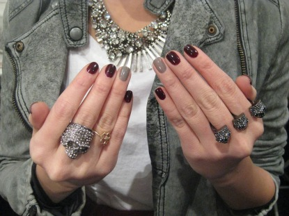 Paint One Nail A Different Color Myfashiontricksblogspot 2011 12 Beautiful Nails For Stylish Girls